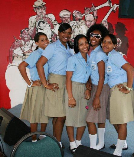 Colegios Y Escuelas En Feria Internacional Del Libro Santo