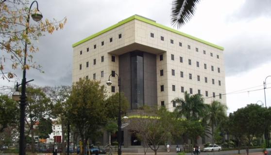 Los bancos de nuestros pa ses skyscrapercity for Oficina principal banco popular